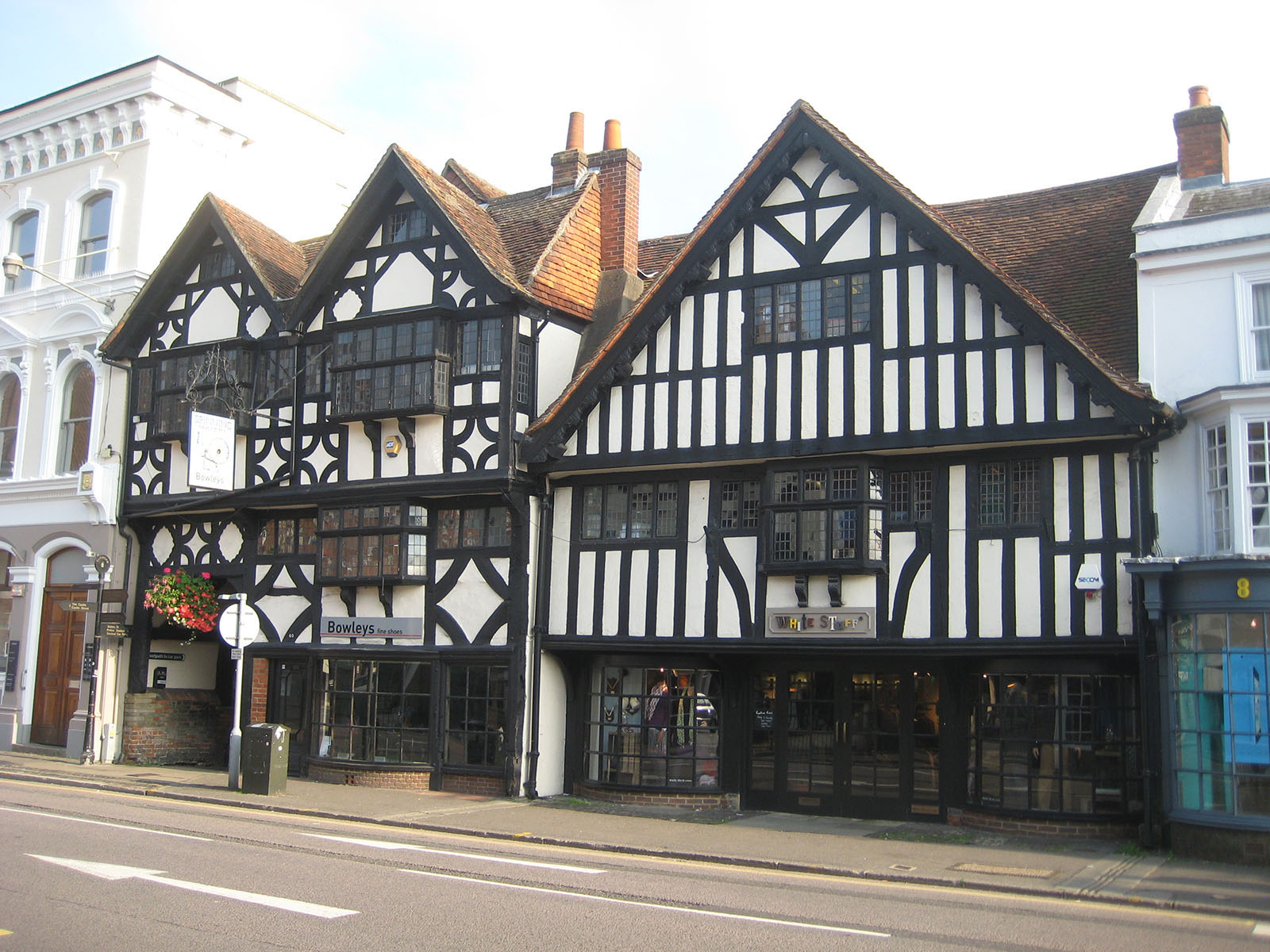 40 The Borough, Farnham - an traditional building with oak structure.
