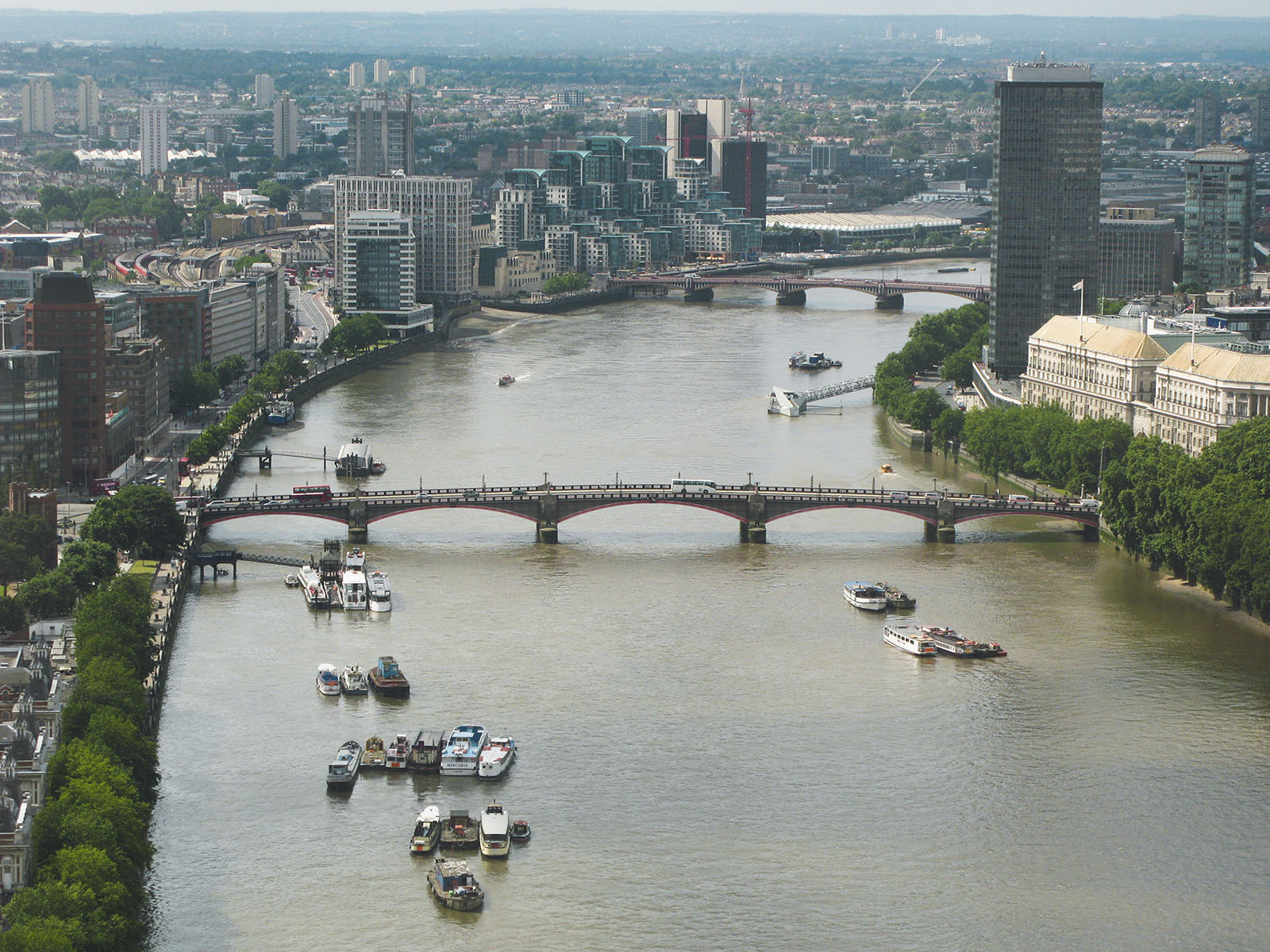 River Thames and Lambeth Bridge.