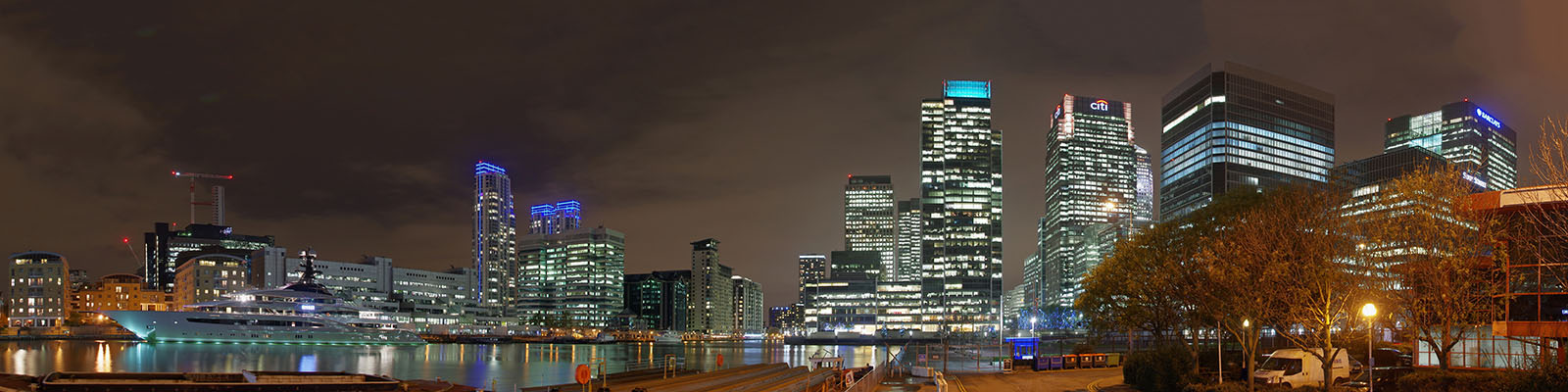 Panorama over the City Canal and Canary Wharf from near Wood Wharf.